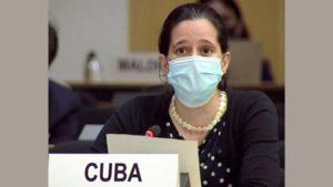 عرضت ممثلة كوبا القرار المؤيد لـ CCP الذي يضم 53 دولة في مجلس حقوق الإنسان في جنيف (من تلفزيون الأمم المتحدة على شبكة الإنترنت)